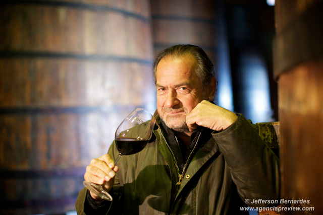 Michel Rolland na cave da Miolo Wine Group